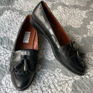 Nine West — Black Leather Fringe Loafers/oxfords